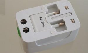MAXAH® Weltweiter Strom Adapter mit USB Ladeanschluss