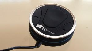 EC Technology® KFZ Freisprecheinrichtung mit Bluetooth, Sprachsteuerung und einer 2-fach USB Steckdose.