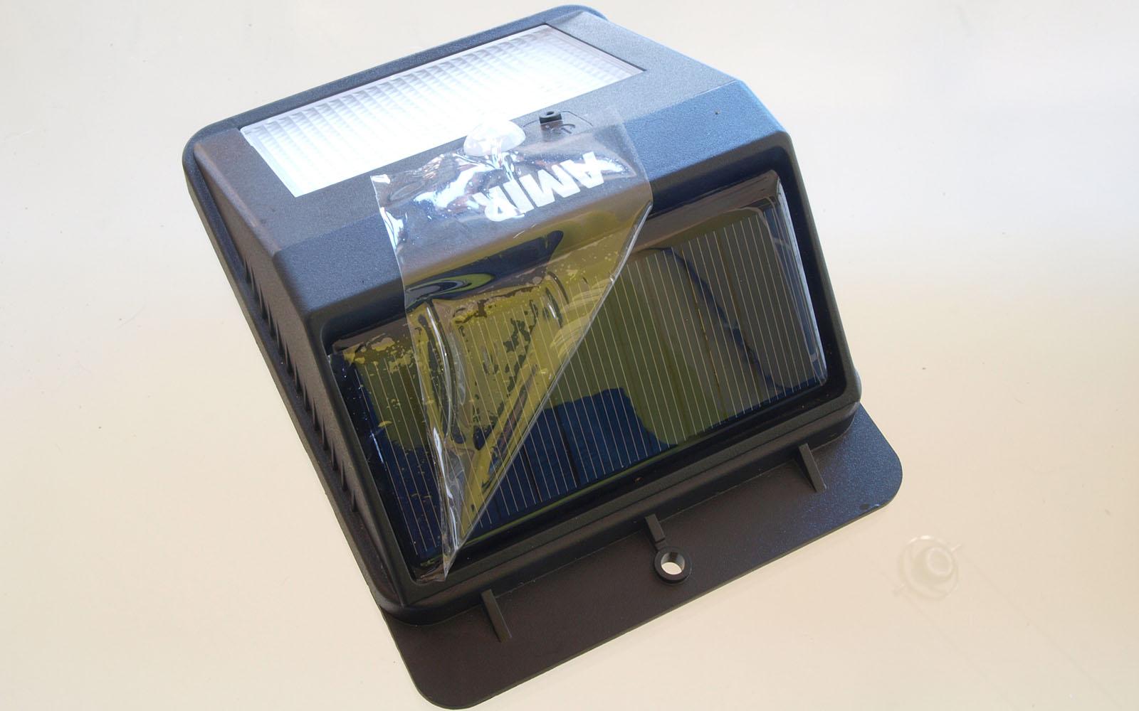 amir solarleuchte mit bewegungsmelder f r den outdoor bereich test und. Black Bedroom Furniture Sets. Home Design Ideas