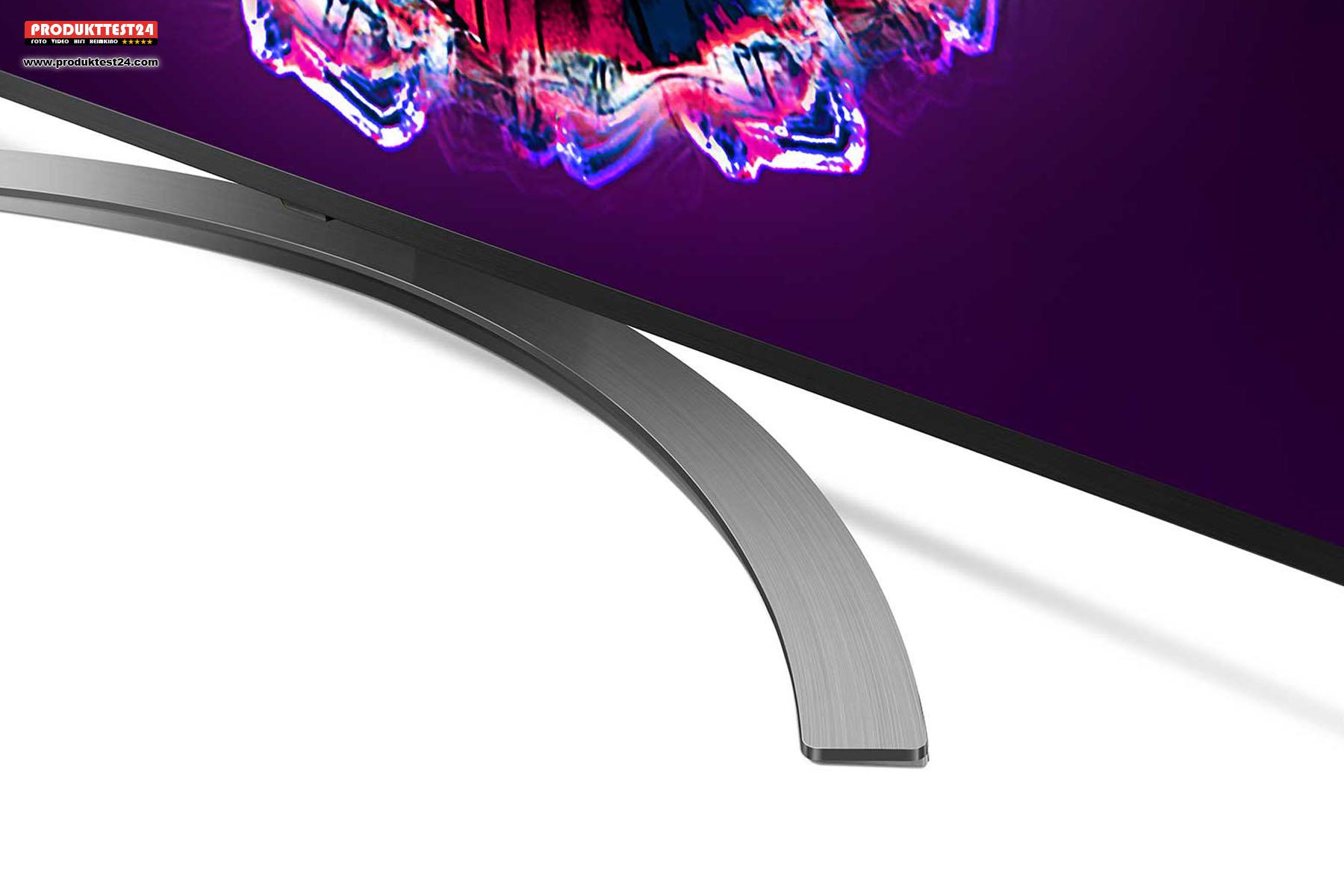 Der halbmondförmige Tischfuß lässt sich gegen eine VESA 300 x 300 Wandhalterung ersetzen.