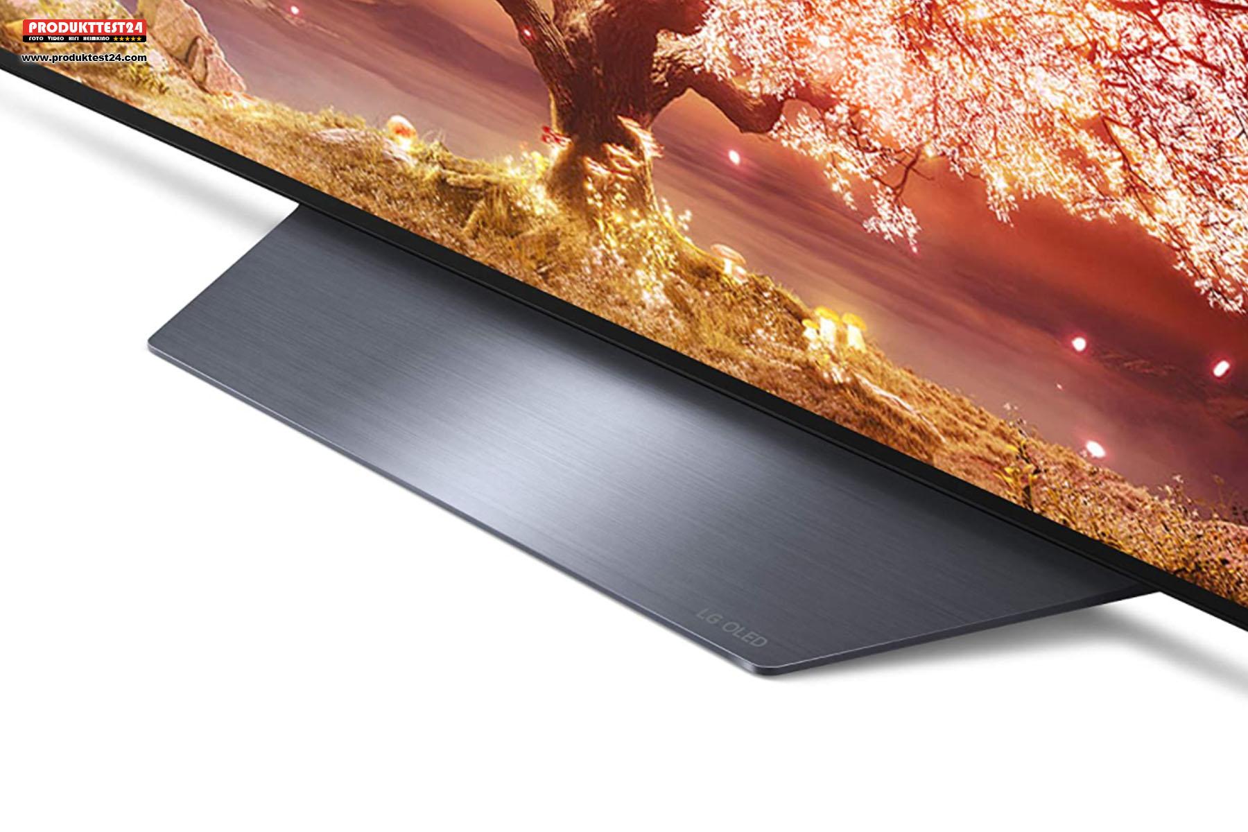 Der große Standfuß besteht aus Kunststoff und dient auch für die Akustik des OLED B1 Fernsehers